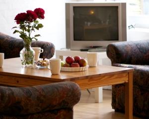 Fjernsyn i hver lejlighed uden ekstra betaling (+ WiFi)